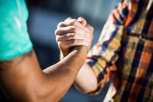how you can be supportive in helping someone who struggles with alcoholism